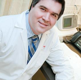 Le Dr George Thanassoulis