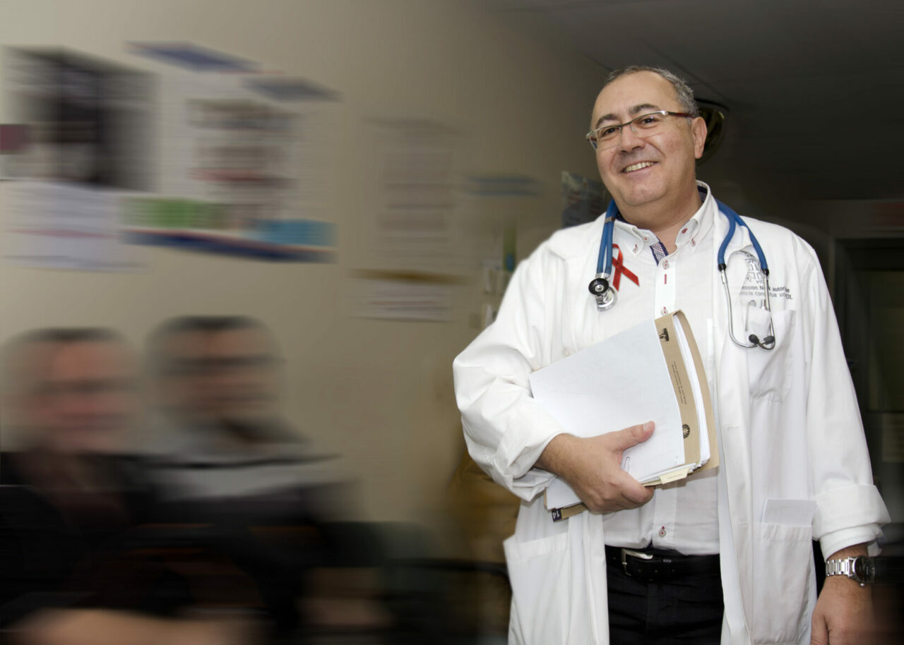 Dr. Routy at the Chronic Viral Ilness Service of the Montreal Chest Insitute of the MUHC