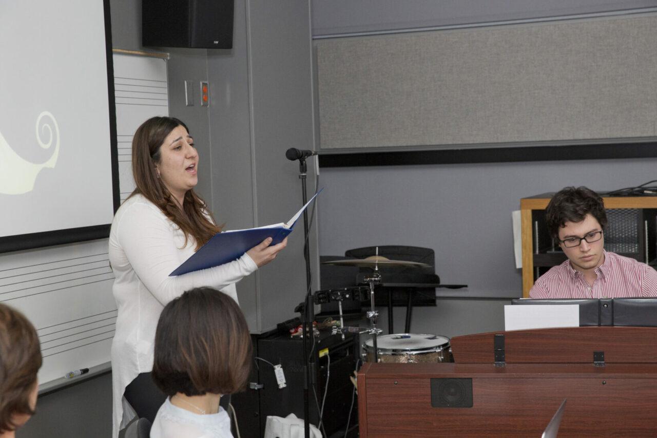 Corina Vincelli performing with her rehabilitated voice. Photo: Nicolas Morin