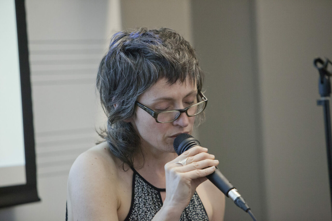 Singing style demonstration by Sienna Dahlen Photo: Nicolas Morin