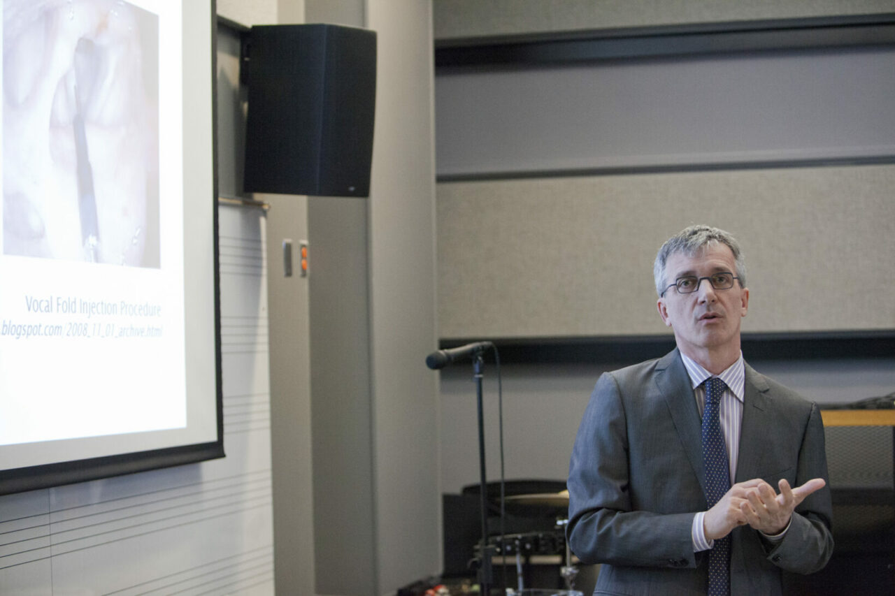 Engineering Professor, Luc Mongeau, presenting his work in vocal fold tissue reconstruction with a novel injectable biomaterial. Photo: Nicolas Morin