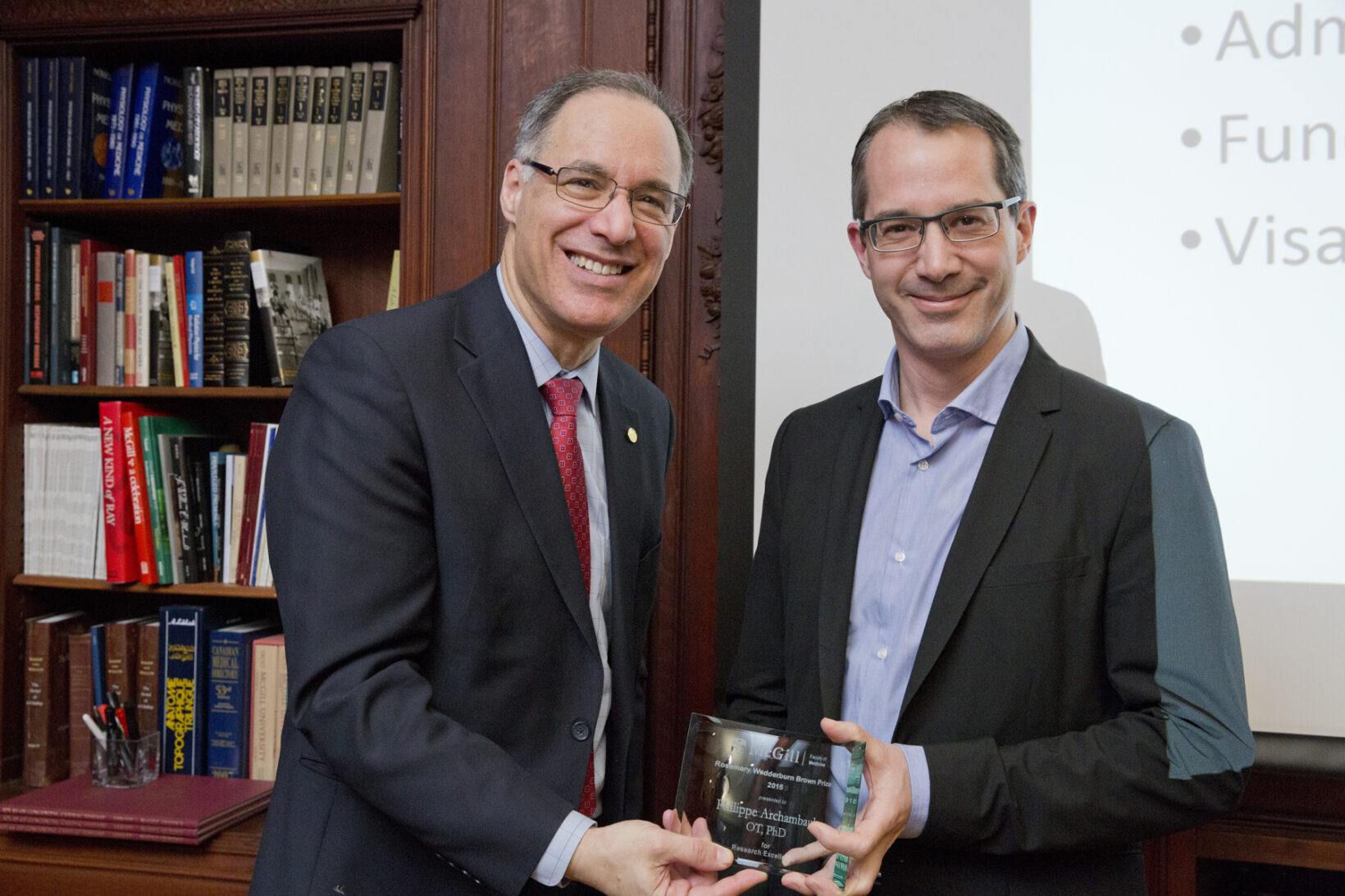 Rosemary Wedderburn Brown prize winner Dr. Philippe Archambault (right), with Dr. David Eidelman, Vice-Principal (Health Affairs) and Dean, Faculty of Medicine. (Photo: Nicolas Morin)