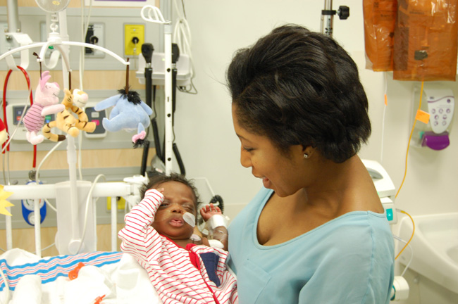 Naminata Sylla and her son Yanis. / Photo: Eliane Leroux-Lafortune